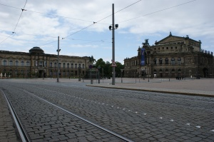 Keine Straßenbahn, keine Autos auf der Sophienstraße.