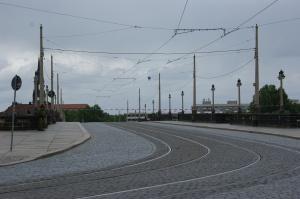 Gespenstisch leer: Die Augustusbrücke.