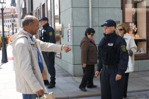 Italienische Touristen kommen nur nach strengen Kontrollen in ihr Hotel.