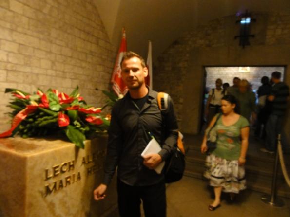 Nicht das Grab von August, das war nebenan, sondern das des verstorbenen polnischen Präsidenten Katschinsky.